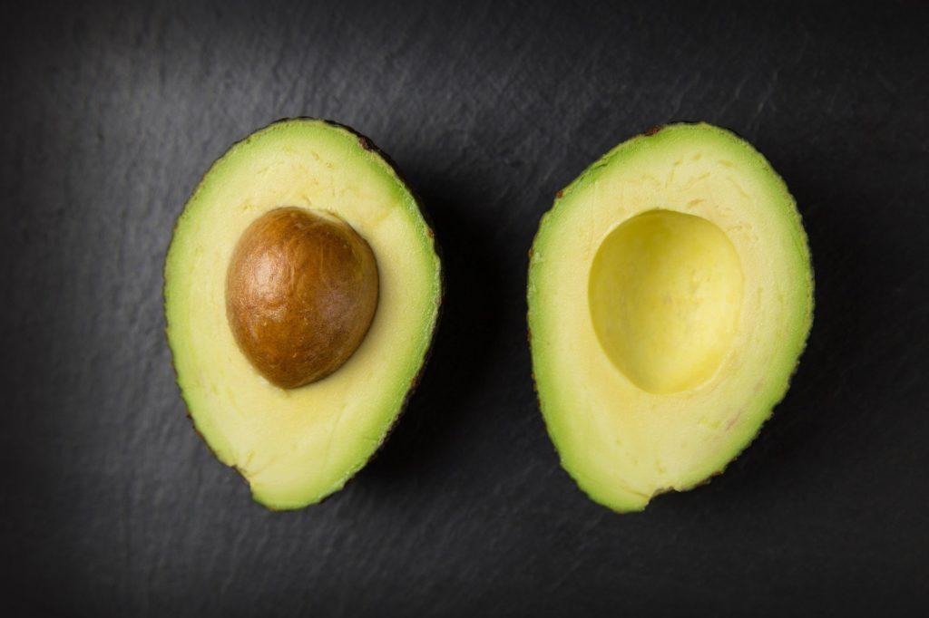 増量期間中の脂質はアボカド
